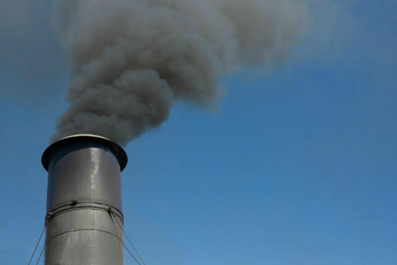 Компанию из Артемовского накажут за вредные выбросы