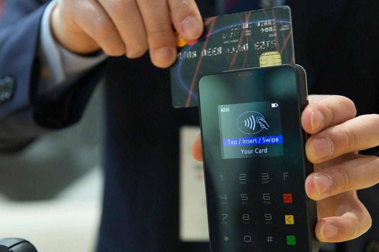 выдают ли банки кредиты по выходным