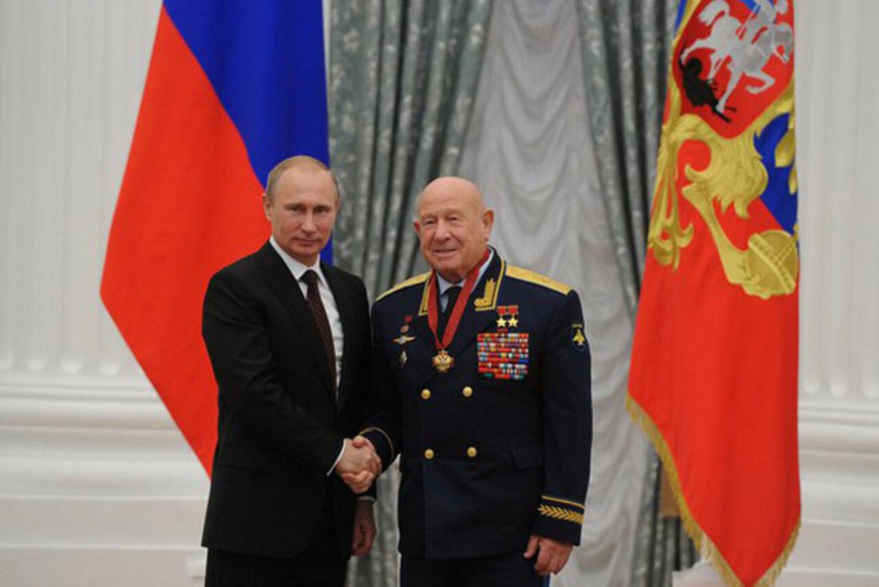 Картинки по запросу Алексей Архипович Леонов и Путин